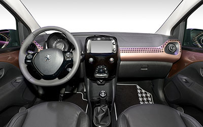 Peugeot 108 active 1 0 e vti 68pk wagenplan b v for Interieur peugeot 108